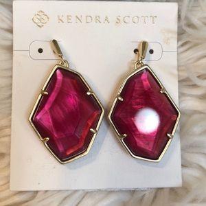 Kendra Scott earrings 💕💕💕